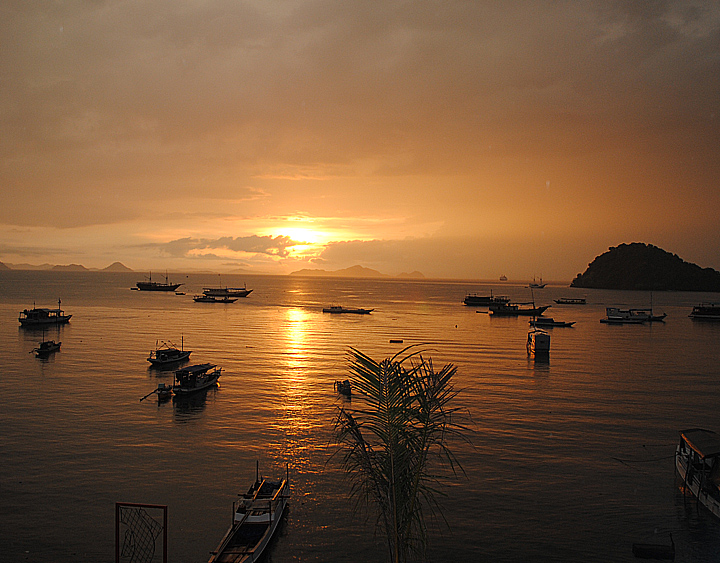 See the sunset in Labuan Bajo